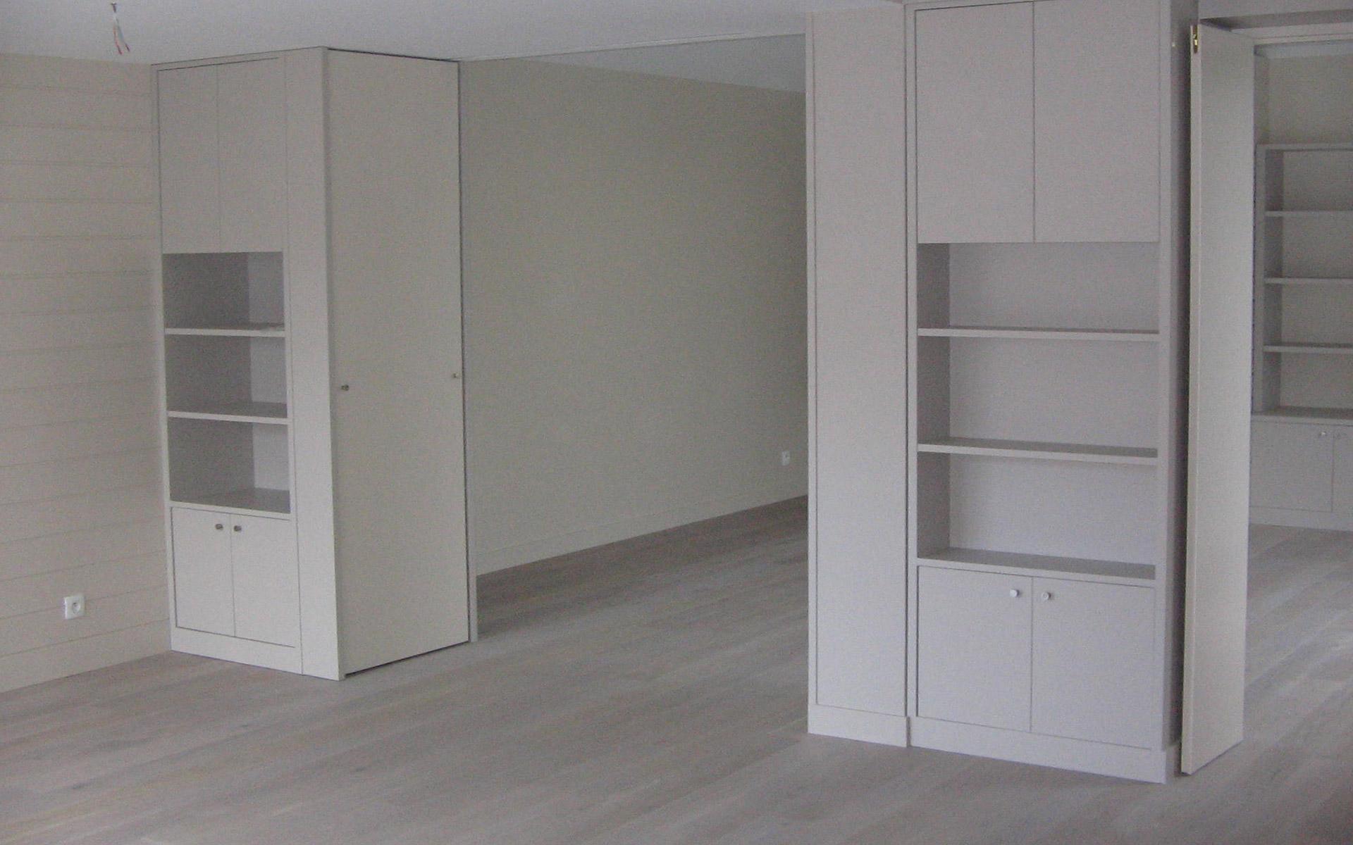 amenagement-interieur-bibliotheque-placard-bois-fabrication-pose-maison-particuliers-menuiserie-josselin-pleslin-trigavou-dinan-dinard-saint-malo